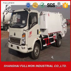 HOWO 5.6 Cubic Compactor Garbage Truck pictures & photos