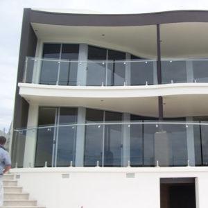 Frameless Glass with Spigot Balustrade (HR1300V-3) pictures & photos