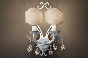 Fashion Wall Lamp with Crystal Ornament/Simple Wall Light pictures & photos