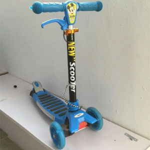 High Quality Popular Smart Kid Push Scooter Ly-W-0039 pictures & photos