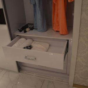 Modern Bedroom Furniture Sliding/Open Door Wardrobe Closet (factory direct supply) pictures & photos