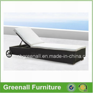 Outdoor French Chaise Lounge with Wheels pictures & photos