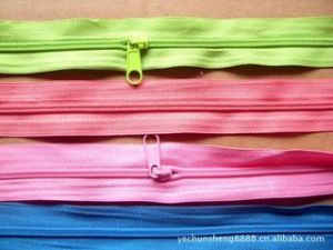5# Coloed Polyester Long Chain pictures & photos