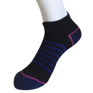 Half Cushion Poly Fashion No Show Middle Stripe Socks (JMPN11) pictures & photos