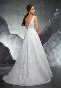 2018 Bridal Gowns Lace Tulle V-Neck Beach Garden Wedding Dress H20188 pictures & photos