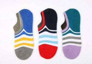 Lattest Fashion Strip Cotton Women Boat Sock pictures & photos