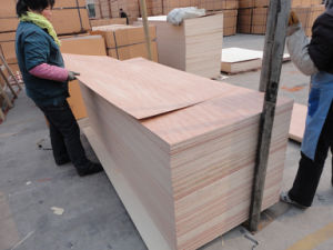 920mm*2150mm Plywood Used for Furniture or Construction pictures & photos