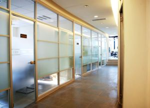 Office Partition Walls/Glass Partitions/Demountable Wall pictures & photos