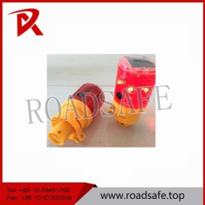 Traffic Safety Flashing Solar Road Warning Light with Low Price pictures & photos
