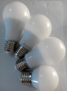 100lm/W 9W 900lm SMD 270degree A65 LED Bulb pictures & photos