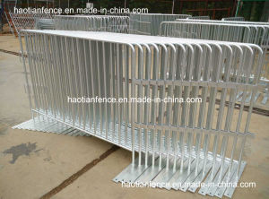 Hot Dipped Galvanized Crowd Control Barriers in Storeage pictures & photos