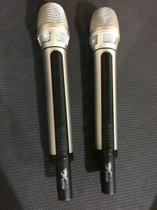 Dx88 UHF Wireless Microphone Professional pictures & photos