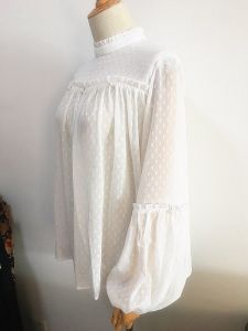 Fashion Clothing White Ruffled Collar Balloon Sleeve Women Blouse pictures & photos