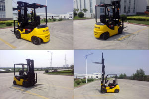 2 Ton Cheap Electric Forklift pictures & photos