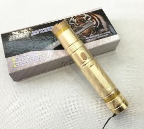 910 Small Portable Electric Shock Stick Self-Defense Stun Gun Riot Flashlight pictures & photos