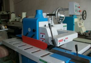 Woodworking Machine Automatic Feeding Single Blade Rip Saw for Workshop pictures & photos