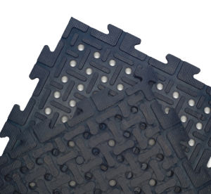 Anti Slip Holes Hollow Interlock Interlocking Rubber Floor Flooring Mats pictures & photos