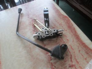 Control Valve Operating Lever and Accessories for Toyota 7f/8f Forklift 67804-26530-71 pictures & photos