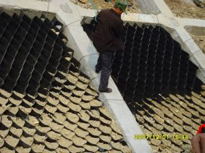 Hot! ! ! High Density Polyethylene (HDPE) Retaining Wall Geocell pictures & photos