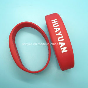 Debossed MIFARE Classic 1K RFID Silicone Wristband with Muti-Size pictures & photos