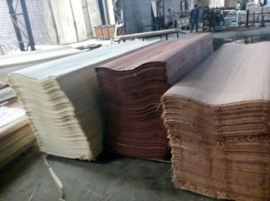 Decorative Wood Grain Color Engineered Face Veneer pictures & photos