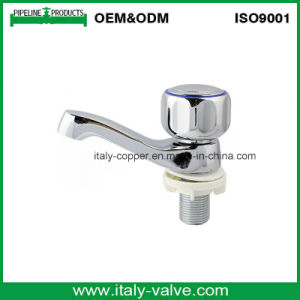 Italy Copper Quality Polishing Brass Basin Tap (AV2073) pictures & photos