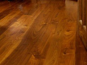 Home Use Natural Walnut Solid Wood Floor pictures & photos