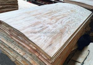 A Grade Natural Radiata Pine Veneer with Size: 4.0mmx1220X2440mm pictures & photos