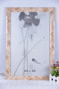 Picture Frame/Photo Frame/Frame/Wooden Grain Frame/Plastic Snap Photo Frame (ALK3.8) pictures & photos