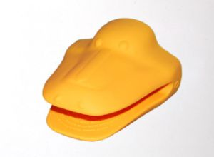 Silicone Hot Kitchen Pot Holder Glove Oven Mit (EB-93256-16) pictures & photos