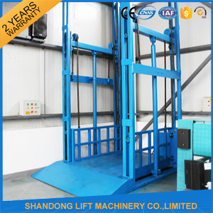 Warehouse Hydraulic Lead Rail Goods Lift for Loading Goods pictures & photos