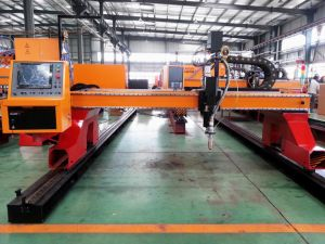 Linear Rail with Helical Rack and Pinion CNC Plasma Cutting Machine pictures & photos