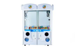 Indoor Game Double Claw Crane Machine for Sale pictures & photos