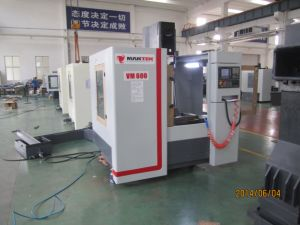 Vmc600 CNC Machining Center with Fanuc Siemens pictures & photos