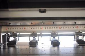 Digital Flex Banner Vinyl Sticker Solvent Inkjet Printing Machine with Original Seiko Konica Printhead pictures & photos