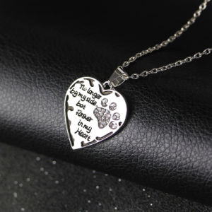 Fashion Crystal Paw Print Forever in My Heart Charm Necklace Dog Cat Jewelry Gift pictures & photos