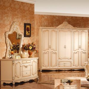 Classic King Bed for Classical Bedroom Furniture Set (W811B) pictures & photos