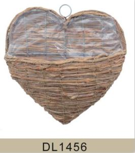 Heart Shaped Wall Rattan Hanging Flower Basket pictures & photos