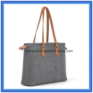 Simple Design Eco-Friendly Portable Wool Felt Shopping Hand Bag, Practical Soft Tote Shopping Bag with Leather Comfortable Handle pictures & photos