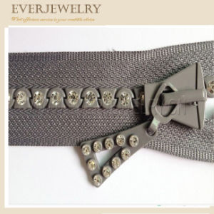 High Quality Fashion Rhinestone Zipper with Custom Diamond pictures & photos