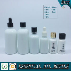 Opal White Glass Essential Oil Bottle pictures & photos