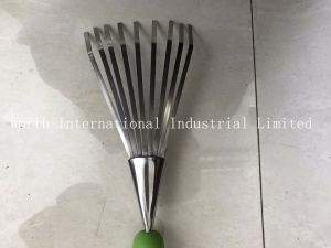 Small Garden Tools Stainless Rake pictures & photos