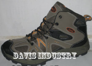 Factory Offered New Design PU Outdoor Hiking Trekking Waterproof Sports Shoes pictures & photos