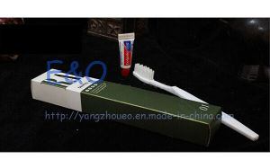 4-5 Star Hotel Disposable Amenities Supplies/Hotel Amenity/Airline Amenities Kit pictures & photos
