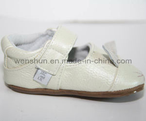 Baby First Stepping Shoes 145006 pictures & photos
