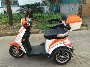 Three Wheels Electric Mobility Scooter with Double Reduction Motor pictures & photos