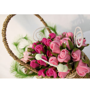 The Hottest Basket of Artificial Flowers07 pictures & photos