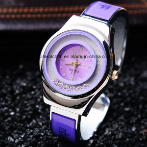 2017 New Fashion Crystal Women′s Bangle Bracelet Watch pictures & photos