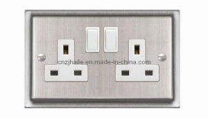 British Standard 1 Gang Switched Socket, Double Poletwin Socket pictures & photos