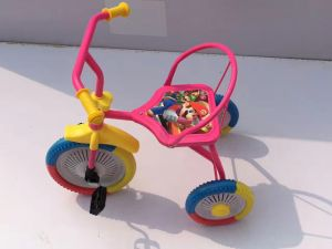 3 Wheeler Pedal Car for Sale, Children Tricycle pictures & photos